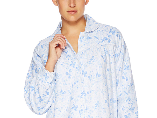 designidentity_photography_ecommerce_model_unrecognisable_womens_fashion_sleepwear_blue_floral