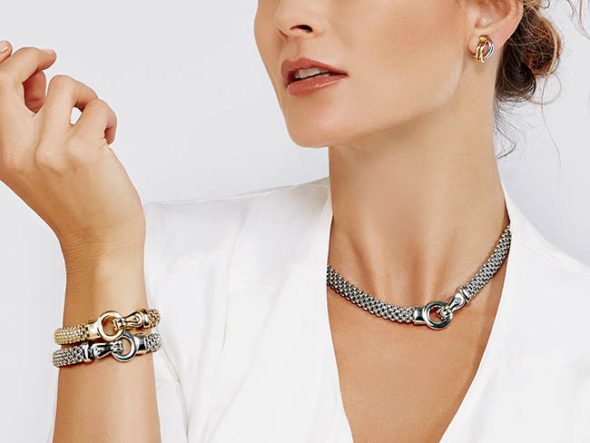 model_ecommerce_designidentity_photography_campaign_advertising_jewellery
